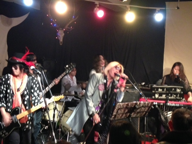戸嶋秀幸_with_THE_BAND.jpg